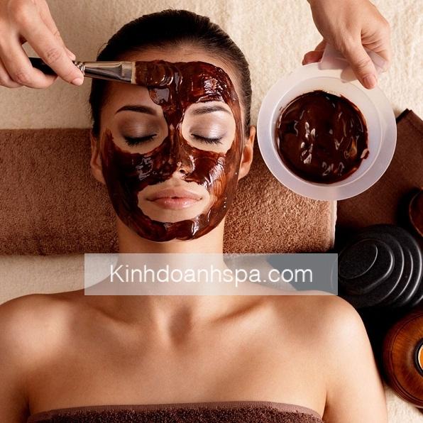 đi spa chăm sóc da mặt các chị em có thể chọn các liệu trình chăm sóc da mặt bằng các loại thảo mộc.