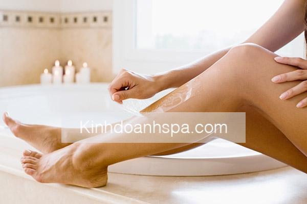 Lưu ý khi triệt lông chân bằng phương pháp tự nhiên