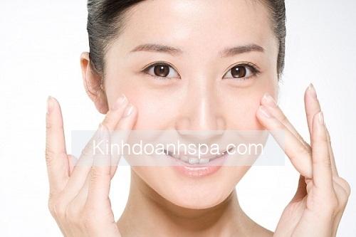 cách điều trị mụn đơn giản bằng mặt nạ từ bột trà xanh sẽ giúp các bạn gái loại bỏ hoàn toàn những nốt mụn